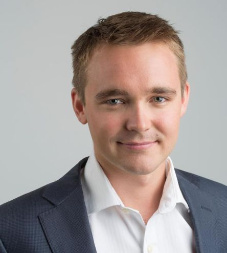 Wyatt Roy 22.05.1990 Liberal Member for Longman Queensland. Son of a strawberry farmer,  Elected to the House of Representatives at 20yo 2010 and again in 2013.