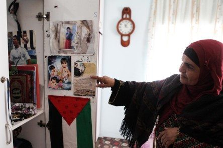 http://electronicintifada.net/content/month-pictures-january-2015/14243 Malak's mother Phpto-Shadi Hatem APA images